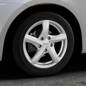 ADVANTI Nepa Silver Felge mit Reifen silber in 15Zoll Winterfelge Alufelge auf silbernem Suzuki Swift V Typ NZ FZ ⬇️ mit 15mm Tieferlegung ⬇️ Industriehalle 1 Thumbnail