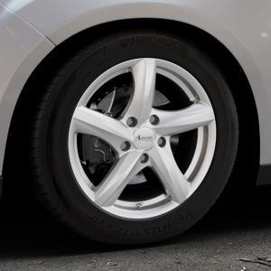 ADVANTI Nepa Silver Felge mit Reifen silber in 16Zoll Winterfelge Alufelge auf silbernem Ford Focus III Typ DYB Facelift (Schrägheck) ⬇️ mit 15mm Tieferlegung ⬇️ Industriehalle 1 Thumbnail