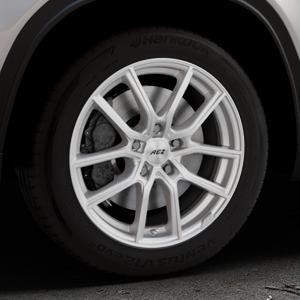 AEZ Raise High gloss Felge mit Reifen in 17Zoll Winterfelge Alufelge auf silbernem Suzuki Vitara Typ LY ⬇️ mit 15mm Tieferlegung ⬇️ Industriehalle 1 Thumbnail