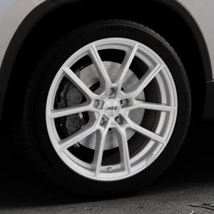 AEZ Raise High gloss Felge mit Reifen in 18Zoll Winterfelge Alufelge auf silbernem Skoda Karoq Typ NU ⬇️ mit 15mm Tieferlegung ⬇️ Industriehalle 1 Thumbnail
