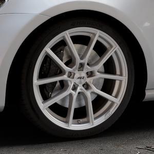 AEZ Raise High gloss Felge mit Reifen in 18Zoll Winterfelge Alufelge auf silbernem Volkswagen (VW) Golf 7 ⬇️ mit 15mm Tieferlegung ⬇️ Industriehalle 1 Thumbnail