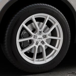 AEZ Raise High gloss Felge mit Reifen in 18Zoll Winterfelge Alufelge auf silbernem Volvo XC40 Typ X ⬇️ mit 15mm Tieferlegung ⬇️ Industriehalle 1 Thumbnail