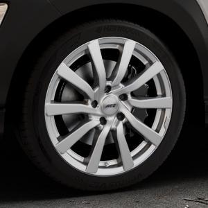 AEZ Reef Silver Felge mit Reifen silber in 18Zoll Winterfelge Alufelge auf silbernem Hyundai Kona Typ OS ⬇️ mit 15mm Tieferlegung ⬇️ Industriehalle 1 Thumbnail
