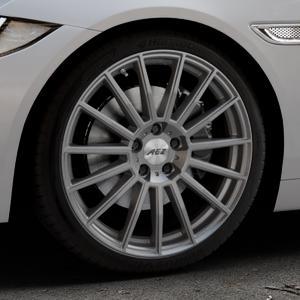 AEZ Steam Graphite matt Felge mit Reifen grau in 19Zoll Winterfelge Alufelge auf silbernem Jaguar XE Typ JA ⬇️ mit 15mm Tieferlegung ⬇️ Industriehalle 1 Thumbnail
