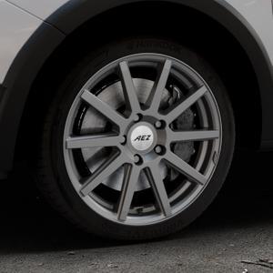 AEZ Straight Graphite matt Felge mit Reifen grau in 17Zoll Winterfelge Alufelge auf silbernem Dacia Sandero Stepway II Typ SD ⬇️ mit 15mm Tieferlegung ⬇️ Industriehalle 1 Thumbnail