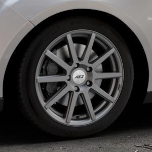 AEZ Straight Graphite matt Felge mit Reifen grau in 17Zoll Winterfelge Alufelge auf silbernem Ford Focus III Typ DYB Facelift (Turnier) ⬇️ mit 15mm Tieferlegung ⬇️ Industriehalle 1 Thumbnail
