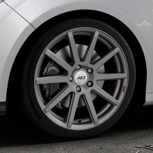 AEZ Straight Graphite matt Felge mit Reifen grau in 18Zoll Winterfelge Alufelge auf silbernem Ford Focus III Typ DYB (Schrägheck) (Stufenheck) Facelift ⬇️ mit 15mm Tieferlegung ⬇️ Industriehalle 1 Thumbnail