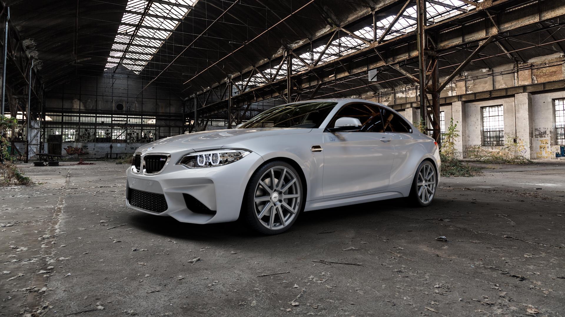 AEZ Straight Graphite matt Felge mit Reifen grau in 19Zoll Winterfelge Alufelge auf silbernem BMW M2 Typ F87 ⬇️ mit 15mm Tieferlegung ⬇️ Industriehalle 1 Camera_000