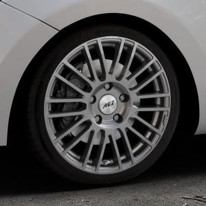 AEZ Strike Graphite matt Felge mit Reifen grau in 18Zoll Winterfelge Alufelge auf silbernem Hyundai i30 Typ GDH Kombi Facelift Coupe ⬇️ mit 15mm Tieferlegung ⬇️ Industriehalle 1 Thumbnail