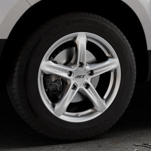 AEZ Yacht Black Felge mit Reifen schwarz in 16Zoll Winterfelge Alufelge auf silbernem Dacia Duster Typ SD ⬇️ mit 15mm Tieferlegung ⬇️ Industriehalle 1 Thumbnail