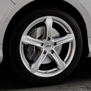 AEZ Yacht Black Felge mit Reifen schwarz in 18Zoll Winterfelge Alufelge auf silbernem Ford Kuga II Facelift (15->) (17->) ⬇️ mit 15mm Tieferlegung ⬇️ Industriehalle 1 Thumbnail