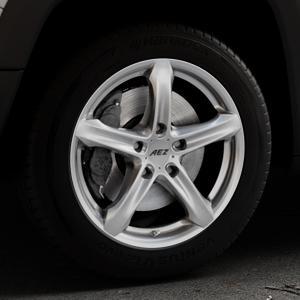 AEZ Yacht High gloss Felge mit Reifen silber in 17Zoll Winterfelge Alufelge auf silbernem Jeep Renegade Typ BU ⬇️ mit 15mm Tieferlegung ⬇️ Industriehalle 1 Thumbnail