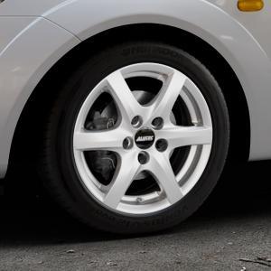 ALUTEC Blizzard polar-silber Felge mit Reifen in 15Zoll Winterfelge Alufelge auf silbernem Ford Fiesta V Typ JH1/JD3 ⬇️ mit 15mm Tieferlegung ⬇️ Industriehalle 1 Thumbnail