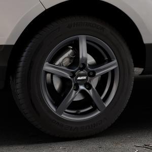 ALUTEC Grip graphit Felge mit Reifen grau in 15Zoll Winterfelge Alufelge auf silbernem Ford EcoSport Typ JK8 ⬇️ mit 15mm Tieferlegung ⬇️ Industriehalle 1 Thumbnail