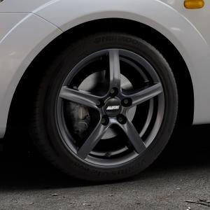 ALUTEC Grip graphit Felge mit Reifen grau in 15Zoll Winterfelge Alufelge auf silbernem Ford Fiesta V Typ JH1/JD3 ⬇️ mit 15mm Tieferlegung ⬇️ Industriehalle 1 Thumbnail