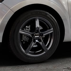 ALUTEC Grip graphit Felge mit Reifen grau in 15Zoll Winterfelge Alufelge auf silbernem Renault Clio IV Typ R Facelift ⬇️ mit 15mm Tieferlegung ⬇️ Industriehalle 1 Thumbnail