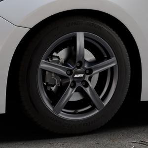 ALUTEC Grip graphit Felge mit Reifen grau in 16Zoll Winterfelge Alufelge auf silbernem Mazda 3 (13-) Stufenheck (BM) Sport (17-) Facelift Fließheck ⬇️ mit 15mm Tieferlegung ⬇️ Industriehalle 1 Thumbnail