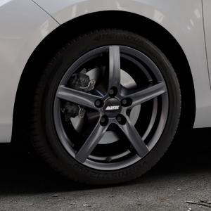 ALUTEC Grip graphit Felge mit Reifen grau in 16Zoll Winterfelge Alufelge auf silbernem Toyota Yaris III Typ XP13 Facelift 17-> ⬇️ mit 15mm Tieferlegung ⬇️ Industriehalle 1 Thumbnail