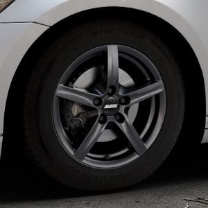 ALUTEC Grip graphit Felge mit Reifen grau in 16Zoll Winterfelge Alufelge auf silbernem Volkswagen (VW) Passat 3C/B8 Limousine Variant ⬇️ mit 15mm Tieferlegung ⬇️ Industriehalle 1 Thumbnail