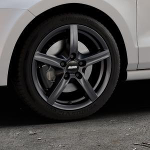 ALUTEC Grip graphit Felge mit Reifen grau in 16Zoll Winterfelge Alufelge auf silbernem Volkswagen (VW) Polo V Typ 6C 1,0l 44kW (60 PS) 55kW (75 1,2l TSI 66kW (90 81kW (110 1,4l TDI 77kW (105 110kW (150 70kW (95 ⬇️ mit 15mm Tieferlegung ⬇️ Industriehalle 1 Thumbnail