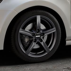 ALUTEC Grip graphit Felge mit Reifen grau in 16Zoll Winterfelge Alufelge auf silbernem Volkswagen (VW) Polo V Typ 6R ⬇️ mit 15mm Tieferlegung ⬇️ Industriehalle 1 Thumbnail