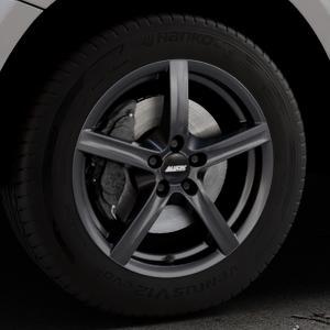 ALUTEC Grip graphit Felge mit Reifen grau in 17Zoll Winterfelge Alufelge auf silbernem Audi Q5 I Typ 8R ⬇️ mit 15mm Tieferlegung ⬇️ Industriehalle 1 Thumbnail