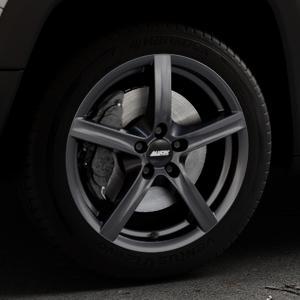 ALUTEC Grip graphit Felge mit Reifen grau in 17Zoll Winterfelge Alufelge auf silbernem Jeep Renegade Typ BU ⬇️ mit 15mm Tieferlegung ⬇️ Industriehalle 1 Thumbnail