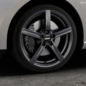 ALUTEC Grip graphit Felge mit Reifen grau in 17Zoll Winterfelge Alufelge auf silbernem Seat Leon Typ 5F ST Facelift ⬇️ mit 15mm Tieferlegung ⬇️ Industriehalle 1 Thumbnail