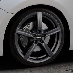ALUTEC Grip graphit Felge mit Reifen grau in 18Zoll Winterfelge Alufelge auf silbernem Mazda 3 (13-) Stufenheck (BM) Sport (17-) Facelift Fließheck ⬇️ mit 15mm Tieferlegung ⬇️ Industriehalle 1 Thumbnail