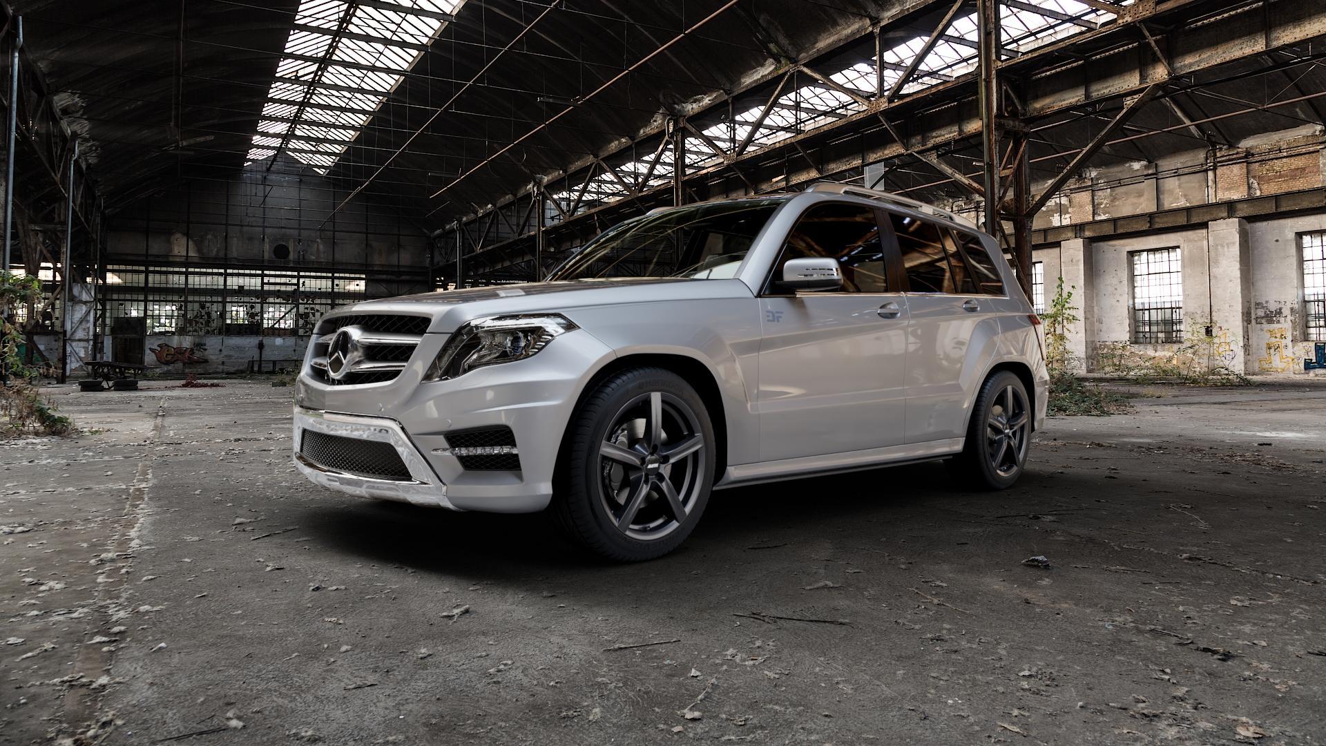 ALUTEC Grip graphit Felge mit Reifen grau in 18Zoll Winterfelge Alufelge auf silbernem Mercedes GLK-Klasse Typ X204 Facelift ⬇️ mit 15mm Tieferlegung ⬇️ Industriehalle 1 Camera_000