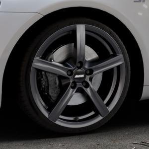 ALUTEC Grip graphit Felge mit Reifen grau in 18Zoll Winterfelge Alufelge auf silbernem Volkswagen (VW) Scirocco III Typ 13 ⬇️ mit 15mm Tieferlegung ⬇️ Industriehalle 1 Thumbnail