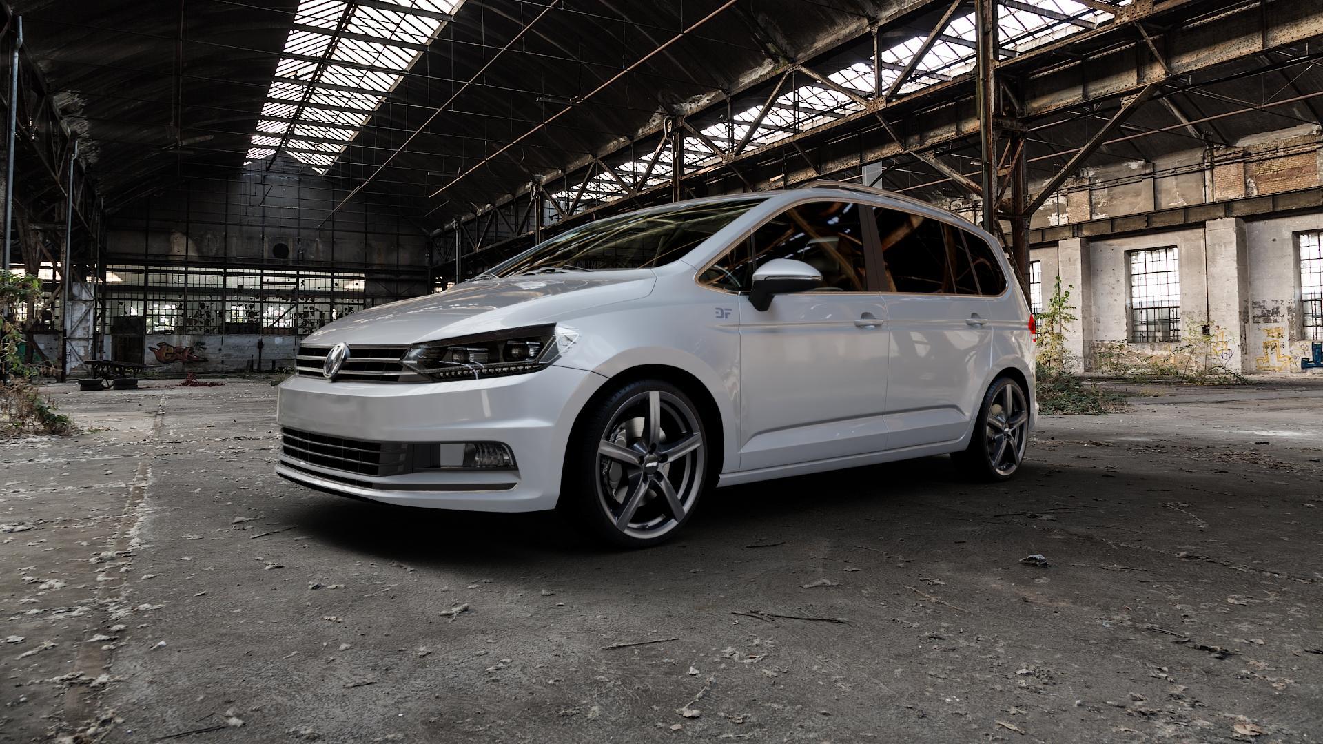 ALUTEC Grip graphit Felge mit Reifen grau in 18Zoll Winterfelge Alufelge auf silbernem Volkswagen (VW) Touran III Typ 1T (15->) ⬇️ mit 15mm Tieferlegung ⬇️ Industriehalle 1 Camera_000
