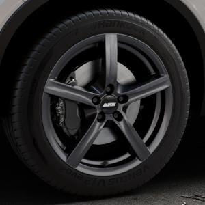ALUTEC Grip graphit Felge mit Reifen grau in 18Zoll Winterfelge Alufelge auf silbernem Volvo XC40 Typ X ⬇️ mit 15mm Tieferlegung ⬇️ Industriehalle 1 Thumbnail