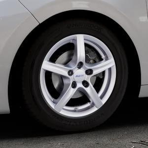 ALUTEC Grip polar-silber Felge mit Reifen in 15Zoll Winterfelge Alufelge auf silbernem Peugeot 208 Typ C ⬇️ mit 15mm Tieferlegung ⬇️ Industriehalle 1 Thumbnail