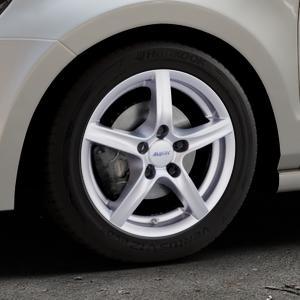 ALUTEC Grip polar-silber Felge mit Reifen in 15Zoll Winterfelge Alufelge auf silbernem Volkswagen (VW) Polo V Typ 6R ⬇️ mit 15mm Tieferlegung ⬇️ Industriehalle 1 Thumbnail