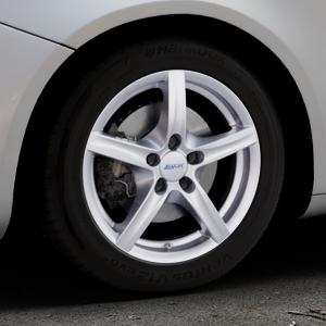 ALUTEC Grip polar-silber Felge mit Reifen in 16Zoll Winterfelge Alufelge auf silbernem Alfa Romeo Giulietta Typ 940 ⬇️ mit 15mm Tieferlegung ⬇️ Industriehalle 1 Thumbnail