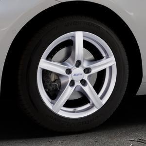 ALUTEC Grip polar-silber Felge mit Reifen in 16Zoll Winterfelge Alufelge auf silbernem BMW 214d Typ F2AT (F45 Active Tourer) 216d 216i 218d 218i 220d xDrive 220i 225i 225xe ⬇️ mit 15mm Tieferlegung ⬇️ Industriehalle 1 Thumbnail