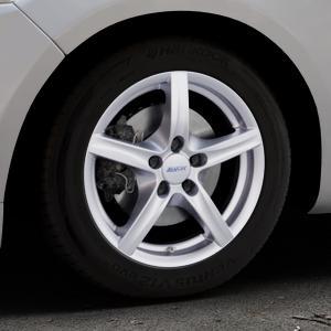 ALUTEC Grip polar-silber Felge mit Reifen in 16Zoll Winterfelge Alufelge auf silbernem Ford Mondeo IV Limousine Typ BA7 Turnier Fließheck ⬇️ mit 15mm Tieferlegung ⬇️ Industriehalle 1 Thumbnail