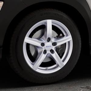 ALUTEC Grip polar-silber Felge mit Reifen in 16Zoll Winterfelge Alufelge auf silbernem Hyundai Kona Typ OS ⬇️ mit 15mm Tieferlegung ⬇️ Industriehalle 1 Thumbnail