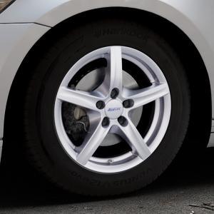 ALUTEC Grip polar-silber Felge mit Reifen in 16Zoll Winterfelge Alufelge auf silbernem Volkswagen (VW) Passat 3C/B8 Limousine Variant ⬇️ mit 15mm Tieferlegung ⬇️ Industriehalle 1 Thumbnail