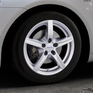 ALUTEC Grip polar-silber Felge mit Reifen in 16Zoll Winterfelge Alufelge auf silbernem Volkswagen (VW) Scirocco III Typ 13 ⬇️ mit 15mm Tieferlegung ⬇️ Industriehalle 1 Thumbnail