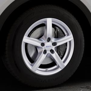 ALUTEC Grip polar-silber Felge mit Reifen in 17Zoll Winterfelge Alufelge auf silbernem Audi Q5 II Typ FY ⬇️ mit 15mm Tieferlegung ⬇️ Industriehalle 1 Thumbnail
