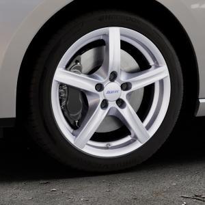 ALUTEC Grip polar-silber Felge mit Reifen in 17Zoll Winterfelge Alufelge auf silbernem Seat Leon Typ 5F ST Facelift ⬇️ mit 15mm Tieferlegung ⬇️ Industriehalle 1 Thumbnail