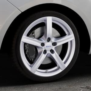 ALUTEC Grip polar-silber Felge mit Reifen in 18Zoll Winterfelge Alufelge auf silbernem Hyundai ix20 Typ JC ⬇️ mit 15mm Tieferlegung ⬇️ Industriehalle 1 Thumbnail