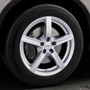 ALUTEC Grip polar-silber Felge mit Reifen in 18Zoll Winterfelge Alufelge auf silbernem Volvo XC40 Typ X ⬇️ mit 15mm Tieferlegung ⬇️ Industriehalle 1 Thumbnail