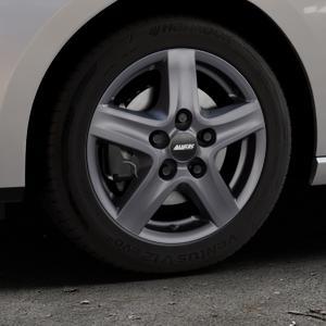 ALUTEC Grip Transporter graphit Felge mit Reifen grau in 16Zoll Winterfelge Alufelge auf silbernem Seat Leon Typ 5F ST Facelift ⬇️ mit 15mm Tieferlegung ⬇️ Industriehalle 1 Thumbnail