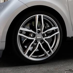ALUTEC Ikenu graphit frontpoliert Felge mit Reifen grau mehrfarbig in 17Zoll Alufelge auf silbernem Smart Forfour II (453) ⬇️ mit 15mm Tieferlegung ⬇️ Industriehalle 1 Thumbnail