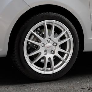 ALUTEC Monstr polar-silber Felge mit Reifen in 16Zoll Winterfelge Alufelge auf silbernem Ford Fiesta VI Typ JA8 ⬇️ mit 15mm Tieferlegung ⬇️ Industriehalle 1 Thumbnail