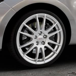 ALUTEC Monstr polar-silber Felge mit Reifen in 18Zoll Winterfelge Alufelge auf silbernem Renault Clio IV Typ R ⬇️ mit 15mm Tieferlegung ⬇️ Industriehalle 1 Thumbnail