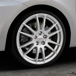 ALUTEC Monstr polar-silber Felge mit Reifen in 18Zoll Winterfelge Alufelge auf silbernem Suzuki Swift VI Typ AZ ⬇️ mit 15mm Tieferlegung ⬇️ Industriehalle 1 Thumbnail